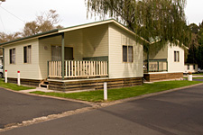 Pleasurelea Tourist Resort and Caravan Park - Tourism Canberra