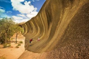 Full-Day Wave Rock  Historic York - Tourism Canberra