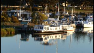 Swamp Fox luxury 2BR Dutch Barge - Tourism Canberra